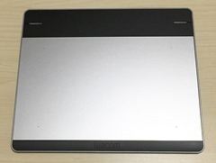 8_intuos_cth-480_s1_unbox_info_body