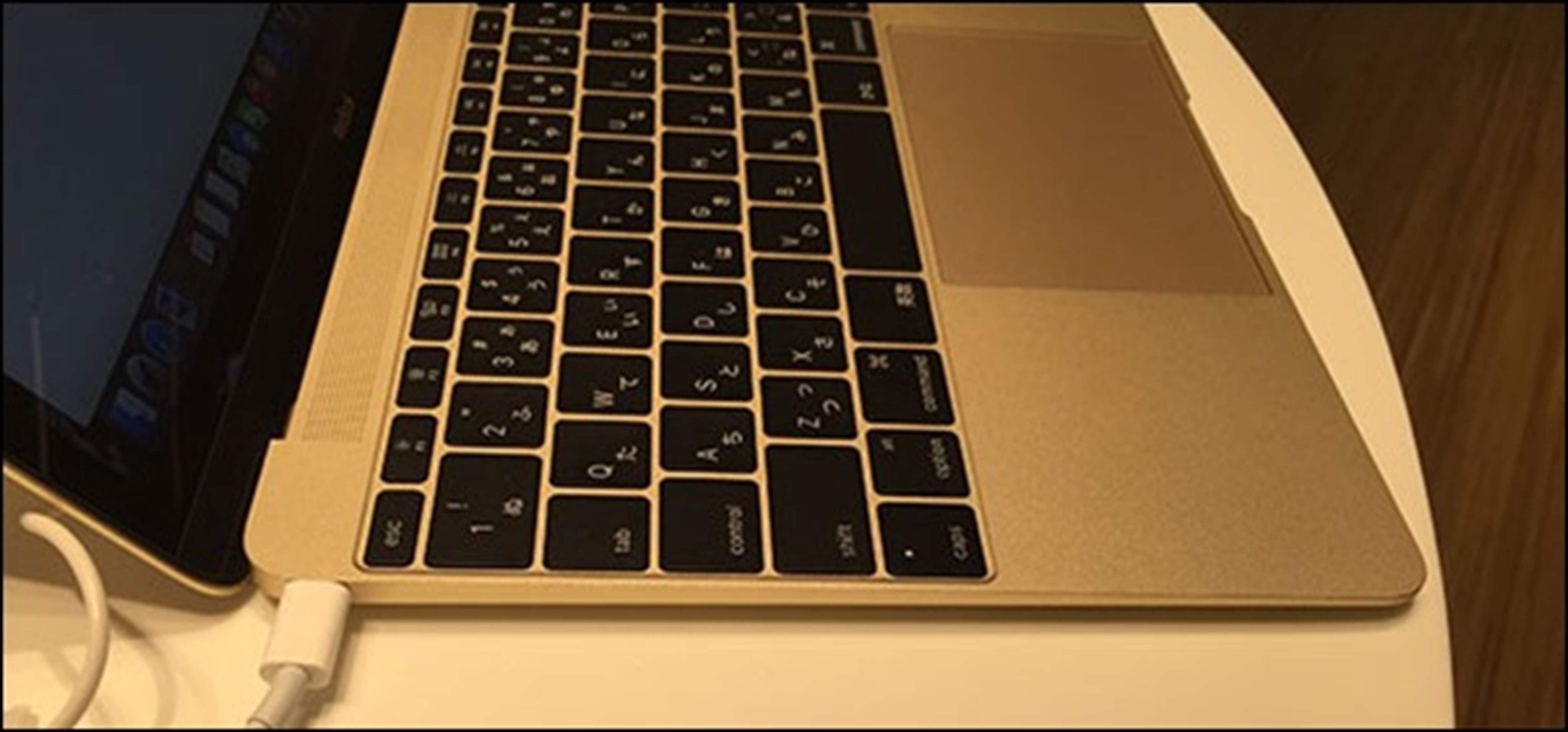 macbook-2015-6-side-usb-c_thumb