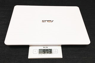 6-asus-notebook-x205ta-body-weight