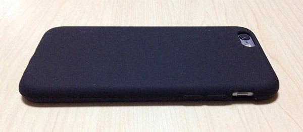8-ibuffalo-silicone-case-BSIP15CSBK-volume-btn-side