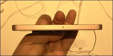 5_iphone_se_sim_slot