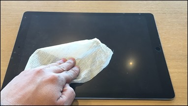 8-ipad-pro-12-9-glass-film-wet-tissue-cleaning