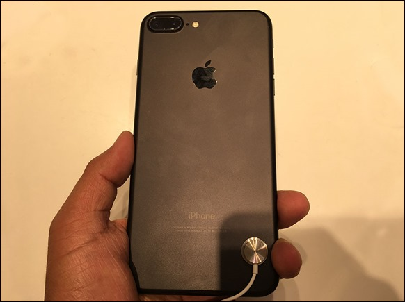 1-iphone7-plus-back