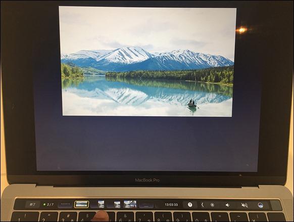 68-macbookpro-touchbar-keynote-slide