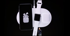 170-iphonex-wireless-pad-on-iphone-applewatch-airpods