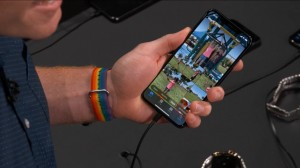 27-wwdc-2019-photo-iphone-xs-xr-brow_thumb.jpg