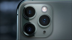 143-appleevent-2019-9-11-iphone11-pro-camera-lens_thumb.jpg