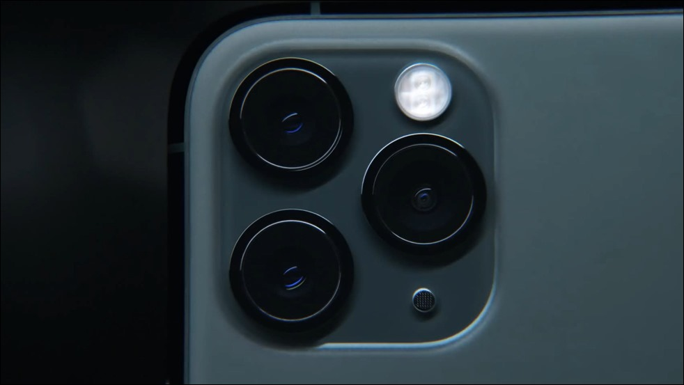 154-appleevent-2019-9-11-iphone11-pro-camera-lens