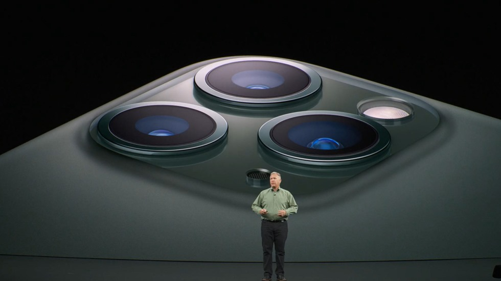 179-appleevent-2019-9-11-iphone11-pro-camera-lens