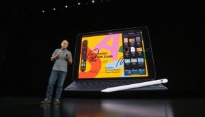30-appleevent-2019-9-11-ipad-smartkeybord-apple-pen.jpg