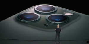 7-appleevent-2019-9-11-iphone11-pro-camera-lens_thumb.jpg