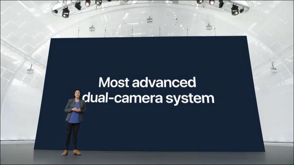 32-apple-iphone13-dual-camera-system
